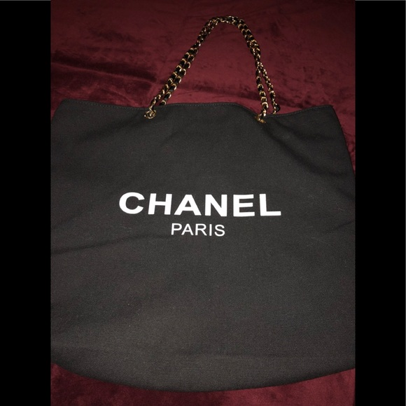 CHANEL Bags   Authentic Vip Gift Tote   Poshmark 15998de068